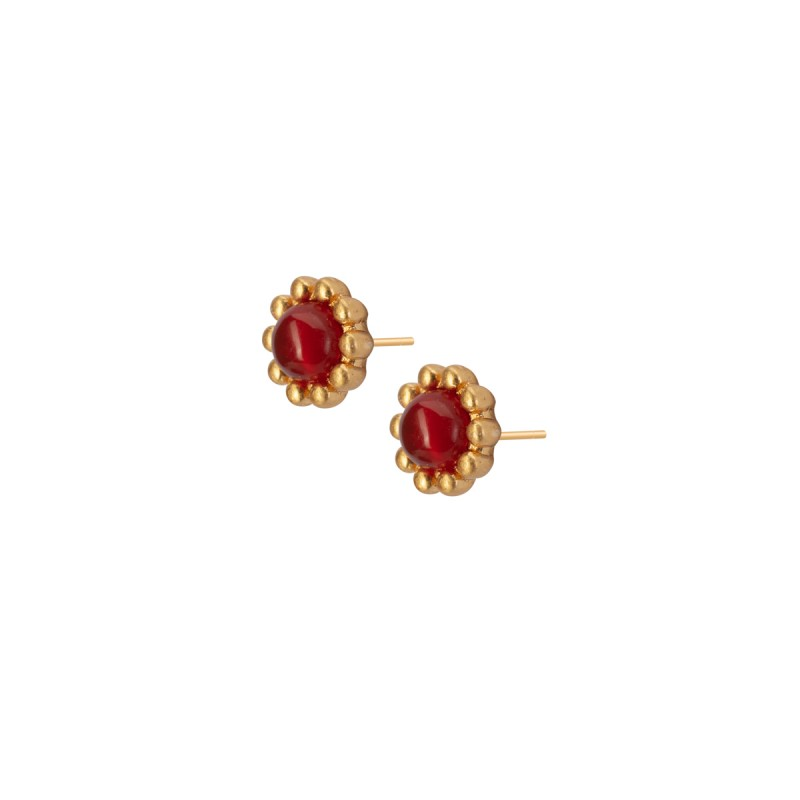 Ombre stud earrings with red agate in gold