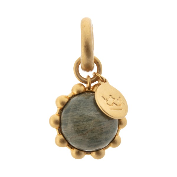 Ombre charm w.silver leaf jasper in gold