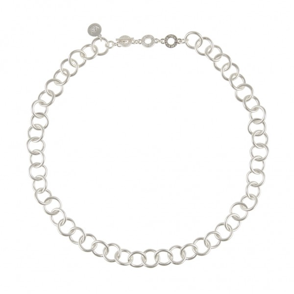 Essentials Firs short necklace in silver