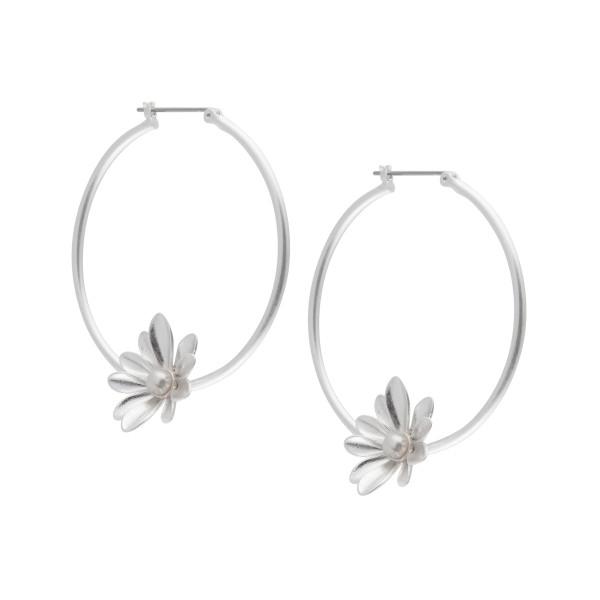 Couture  Sweet Daisies Pearl Hoop Earrings in Silver